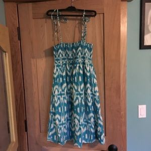 Flowers Dresses - Teal Aztec print dress size large bow straps
